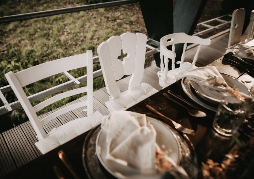 Vintage Stühle Mix & Match Weiß